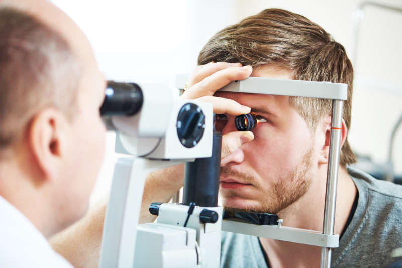 Checking eye health