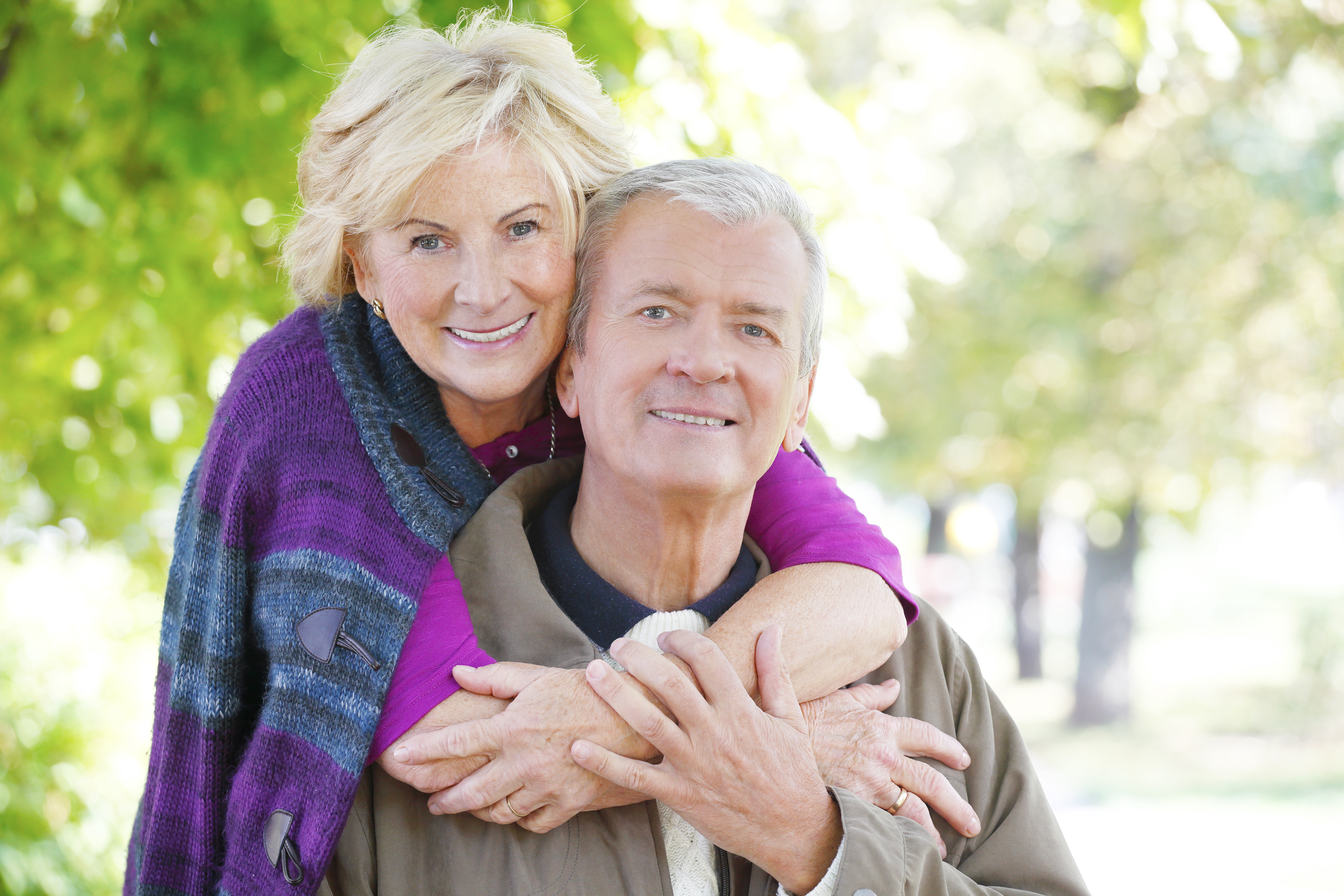 Couple satisfied with cataract surgery