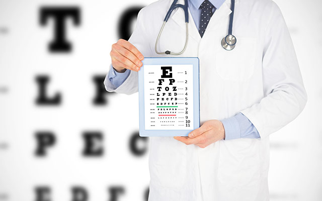 eye-specialist-help-your-vision